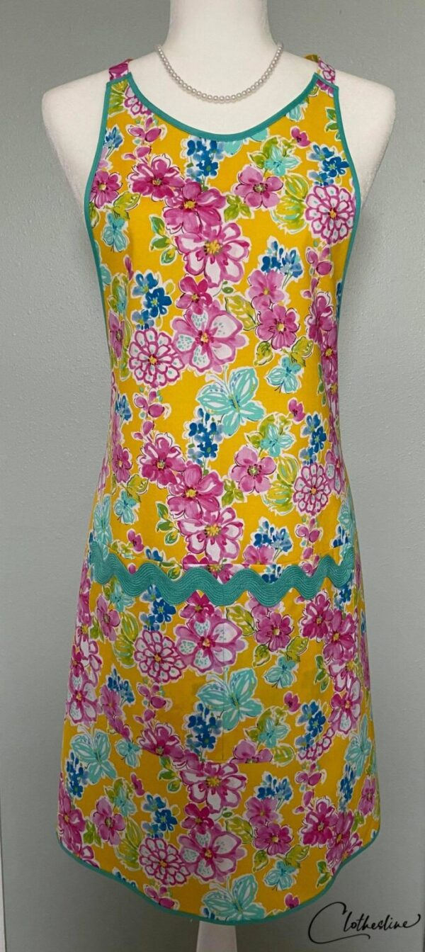 Shop Wyoming Flowers on Gold every day Apron