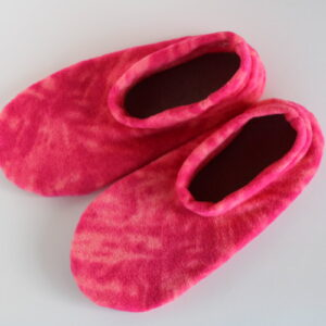 Shop Wyoming Tie Dye Pink Fleece Slipper Socks/House Shoes